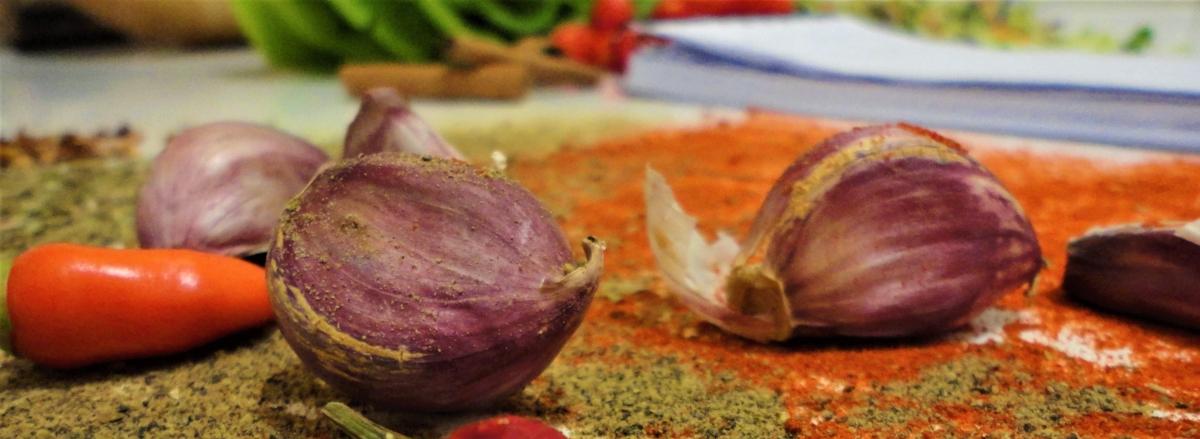 Chef mostra como usar alho emdoces!