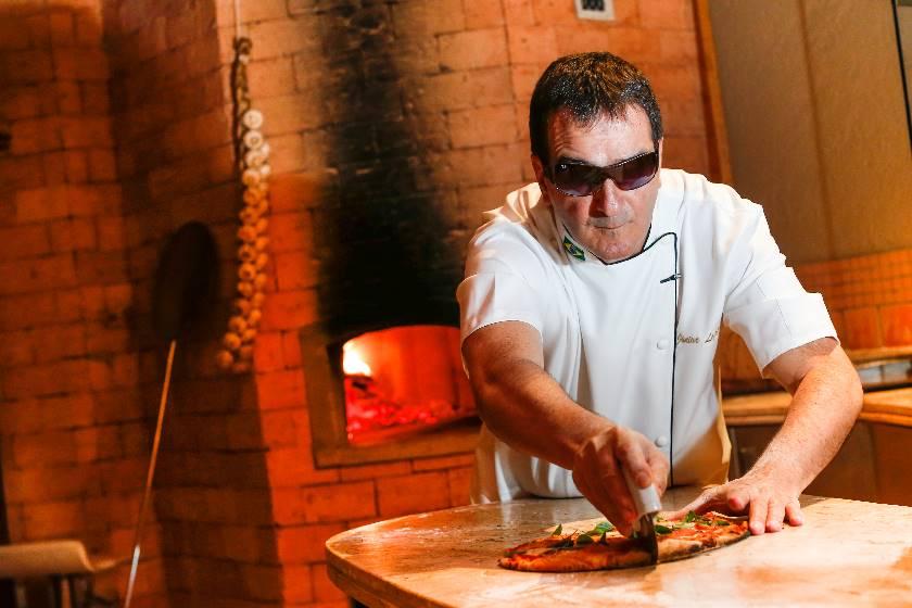 Pizzaiolo cego é sucesso nacozinha
