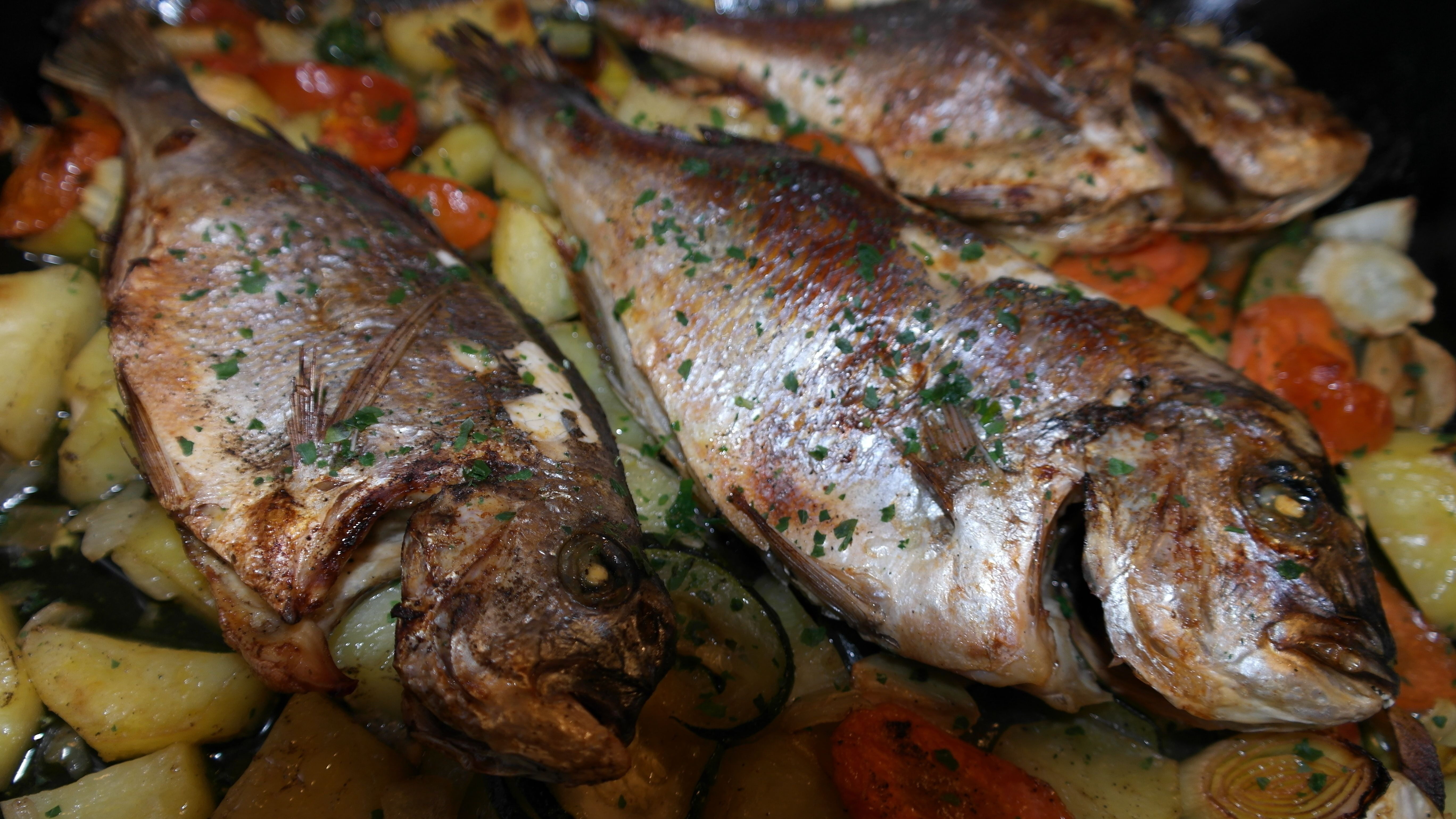dish-food-cooking-produce-vegetable-fish-991176-pxhere.com